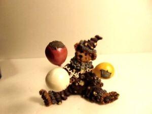 2000 Boyd's Bear Chuckles BearHaHa composite figurine