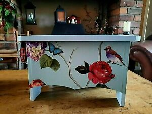 WOODEN STOOL STEP MADE WITH VINTAGE BIRD LAURA  ASHLEY PAINT KITCHEN BATHROOM
