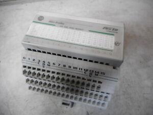 ALLEN BRADLEY - FLEX I/O 16 Channel Sinking Output Module and Base - 1794-OV16