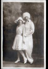 NUIT de CARNAVAL / COUPLE costumé , Carte-photo postale du 7 mars 1929