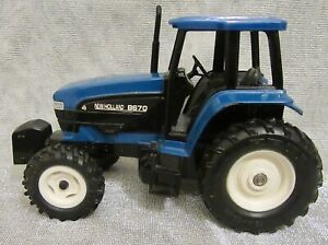 New Holland  8670 Tractor With  Cab 1/32 Scale By Ertl