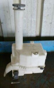 Toyota Avalon 4/00-9/03 Washer Bottle with Motor
