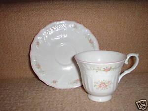 ROYAL DOULTON TEA CUP & SAUCER BIARRITZ - Moselle