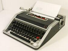 Olivetti Underwood Lettera 33 Portable Typewriter French QWERTY No Case Working