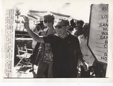 Original Press Wire Photo Henry Kissinger & bride Nancy Acapulco 1.4.1974