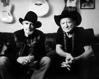 MERLE HAGGARD AND WILLIE NELSON - 8X10 PUBLICITY PHOTO (AZ624)
