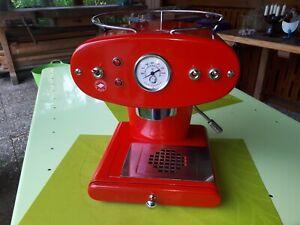 Francis Francis X1 Espresso-Siebträgermaschine mit Zubehör, gebraucht, defekt.