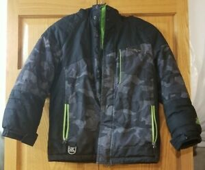Boys Zero Xposure Black And Gray Winter Jacket With Attached Hood.  Sz 7/8
