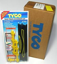 12pc 1993 TYCO Slot Car Track RACE TRACK SQUEEZE FLAG ACCESSORY KIT Carded 6740