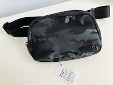Line New Lululemon Everywhere Belt Bag Forest Green Camo Print Sold Out!!!