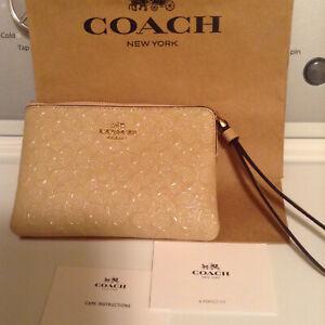 NEW $199 COACH women wristlet  clutch purse wallet handbag  SIGNATURE C platinum