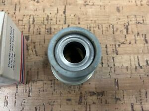 *NEW OEM* 0700P15 OMC Johnson Evinrude Gearcase Head & Seal Assembly 389045