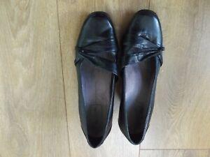 Ladies Black Leather Clarks Active Air Court Shoes Size 6.5