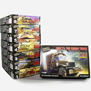 Forces of Valor - U.S. GMC 2.5 Ton Cargo Truck 1:72 Model Kit 873006A