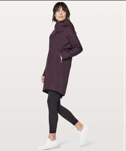 Lululemon Cloud Crush Rain jacket Size 4 Dark cherry Excellent Condition