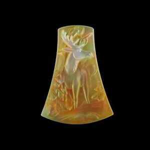 Carved MOP Stone Moose Bead GM059028