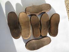 Antico paio di scarpe suole legno zoccolo attrezzo calzolaio arte popolare