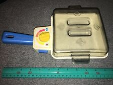 VINTAGE 1987 FISHER PRICE FUN WITH FOOD SIZZLING FRY PAN WITH LID WORKS VGC