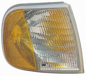 Turn Signal / Parking Light Assembly Front Left Maxzone 331-1538L-USN