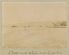 France, L'Escadre en rade de Toulon, à droite La Grosse Tour  Vintage citra