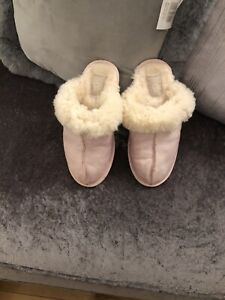 Ladies Ugg Slippers Scuffette Pink/cream Slippers . Sz 4