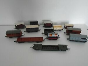 10 TRIANG 1 HORNBY & 1 AIRFIX OO GAUGE WAGONS