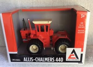 Allis-Chalmers 440 4WD Tractor In 1/132 Scale Made By Ertl
