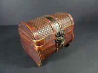 Myth /& Legend Green+Red Celtic Pattern Treasure Chest Trinket Box