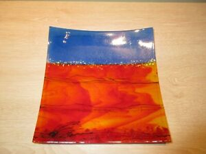AUSTRALIAN HANDMADE CHRISTINE ELSTON WAVE ART GLASS PLATE RED EARTH & BLUE SKY