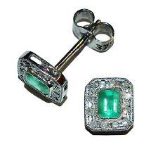 Caracteriza completamente 9ct Oro Blanco, Esmeralda Y Diamante Aretes Cuadrado