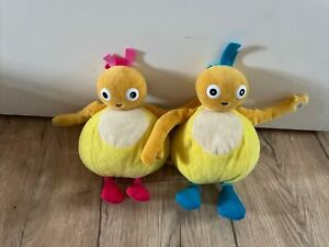 """2 x Twirlywoos Chickedy And Chick Talking Plush Soft Cuddly Toys 7"""""""