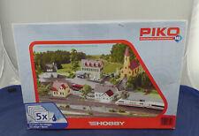 """Bausatz von PIKO """"Dorf-Set"""" 5-teilig in Größe HO, neu und OVP (H620) A"""