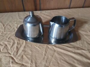 ONEIDA 18/8 Stainless Steel 4 Piece Cream and Sugar Set, Lid and Tray