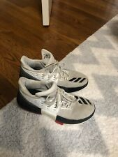 dame 3 size 5.5 Basketball Shoes