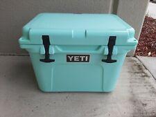 Yeti 20 Roadie Seafaom With Drinkware