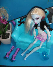 ✿● Mattel Monster High : Abbey Bominable : Dead Tired in Fashion Pack Nr. 3