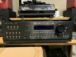 ANTHEM AVM 30 Pre-Amp Surround Processor. Cosmetics/Operation Excellent! REMOTE!