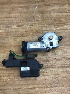 OEM Volvo S60 S80 V70 XC70 01-04 Sunroof Control Module Motor 9483102