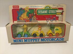 VINTAGE SESAME STREET HASBRO 1985 MINI MUPPET MOTORCADE DIE-CAST METAL VEHICLES