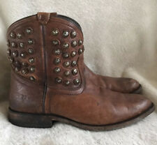 Frye Wyatt short studded disc cognac brown leather western cowgirl ankle boots 9