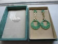 ANTIQUE DECO CARVED JADE JADEITE EARRINGS WITH SOLID GOLD TRIM AND SCREW BACKS