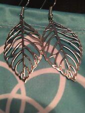 Silver Drop Leaf Filigree Earrings Kendra Scott Jewelry Pouch and