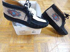 Minnetonka El Paso ankle boot, size 6, black