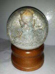 "SANKYO Wooden Base MUSIC SNOW GLOBE ""Kneeling Angel Girl Holding Candle""🕯"
