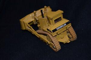 Vintage Caterpillar CAT D10N Bulldozer 1:50 Scale Die Cast (0577F)