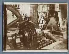Machine industrielle vers 1900  Vintage silver print. Old industrial machine