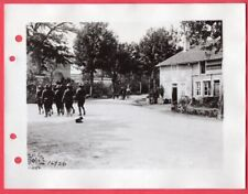1918 Street Scene Mandres France Near 83rd Division HQ Original News Photo