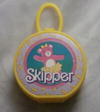 VINTAGE SKIPPER YELLOW PLASTIC PURSE CASE HAT BOX TOTE ACCESSORY BALLET BEAR