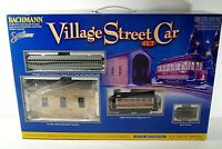 BACHMANN VILLAGE STREET TRAIN CAR CHRISTMAS SET ON 30 SCALE MIB