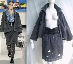 2-Piece  NWOT CHANEL 14A  CUT-OUT CC logo Tweed Jacket Skirt Suit FR48
